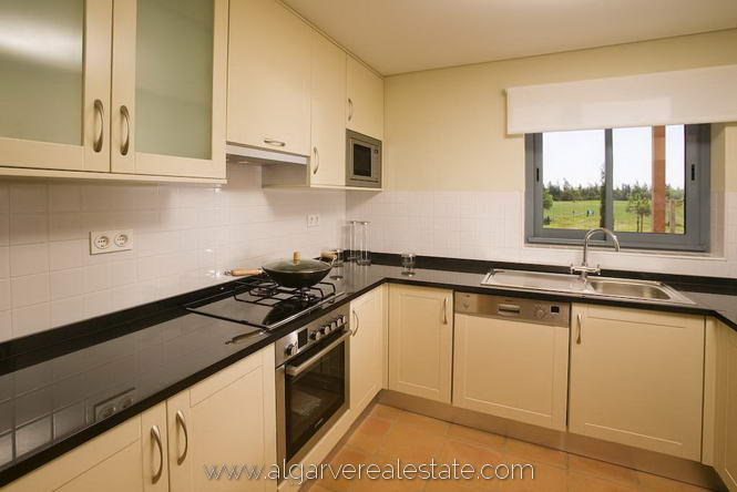 3-victoria-gardens-show-house-kitchen