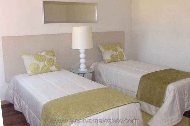 5-victoria-gardens-show-house-bedroom