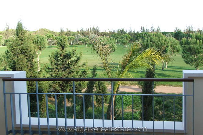 8-victoria-gardens-golf-views