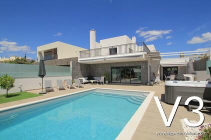 Villa de 3 chambres avec piscine